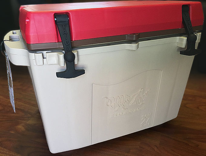 Taiga Insulated 27qt Cooler with Grasshopper Mowers logo